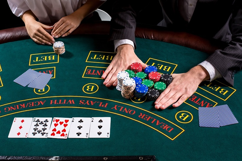 Benefits the online casino player can achieve through gambling