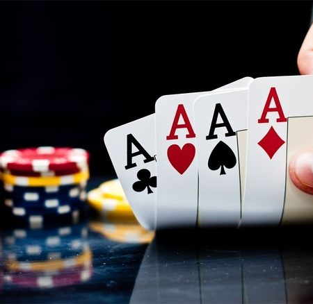 Differentiate between offline and online gambling games