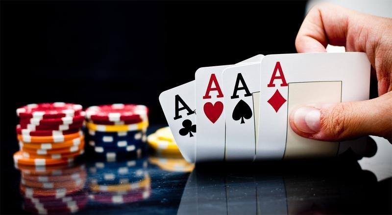 Differentiate between offline and online gambling games