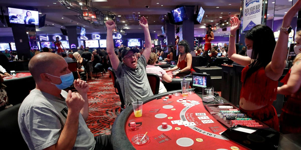 Why You Should Give Yourself a Chance to Try and Play Some Online Casino Games