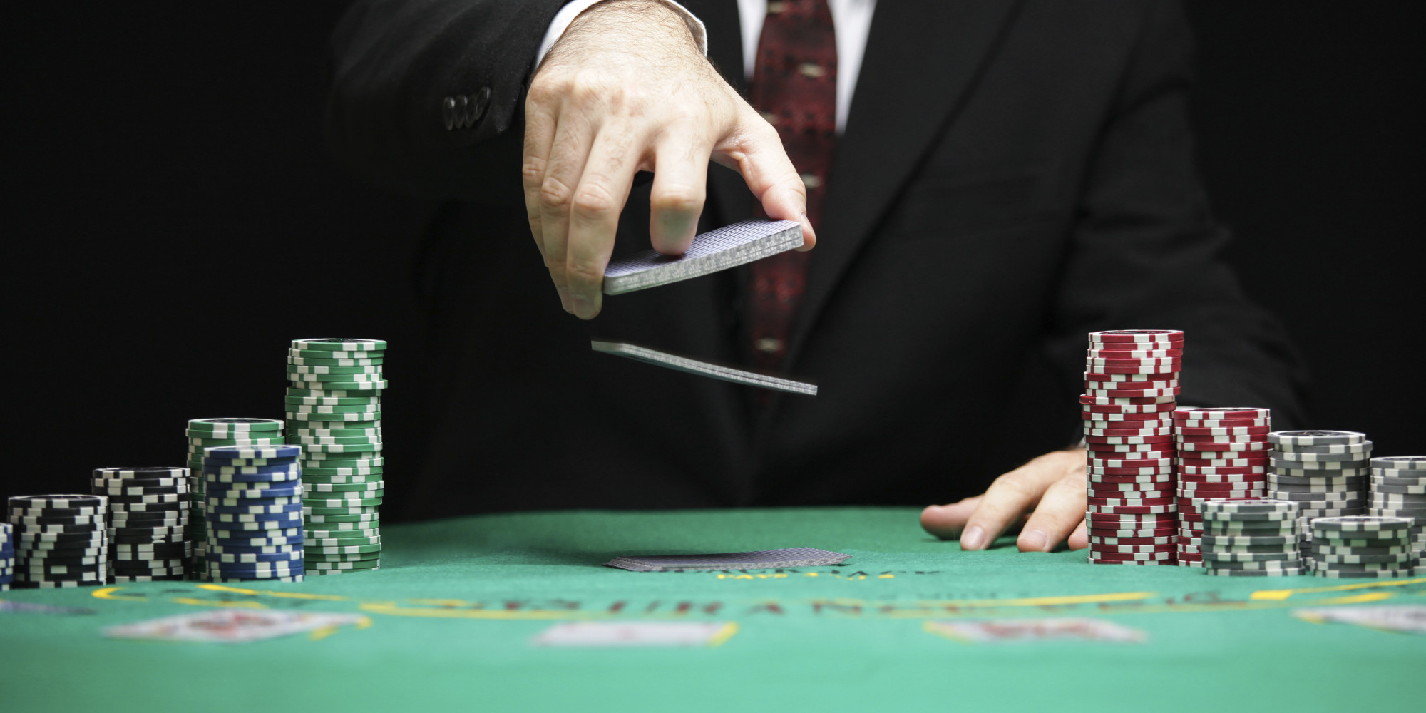Play An Exciting Poker Game Online To Win Big Jackpots